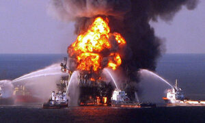 Deepwater-Horizon-oil-spill-business-ethics-perspective